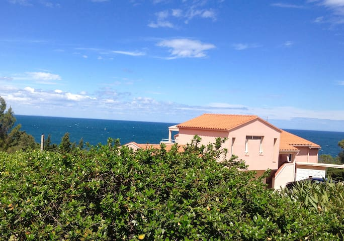 Villa at Collioure 2 bedrooms with a nice sea view