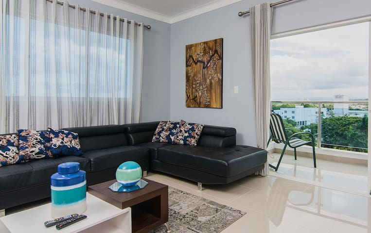 Luxurious/Spacious Penthouse W/Cable & WIFI !!!!! - Licey - Condominium