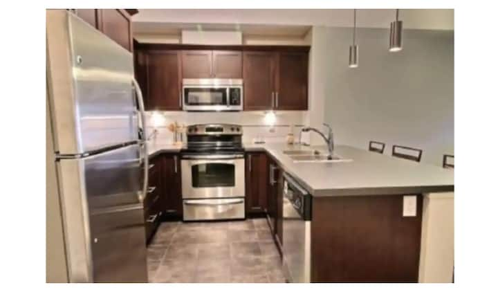 Modern Executive Suite in the Heart of Downtown