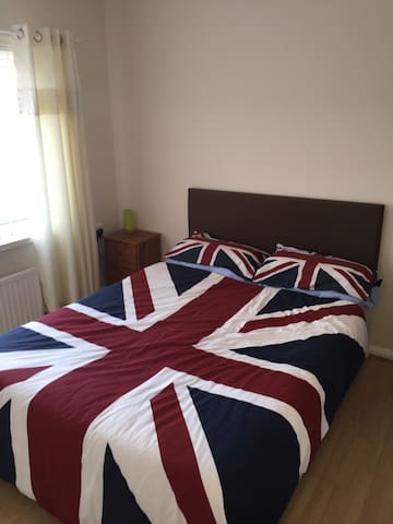 Spacious double room in quiet area - Blaydon-On-Tyne - Maison