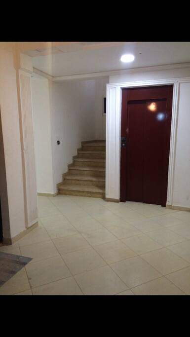 Eingang ( Aufzug )