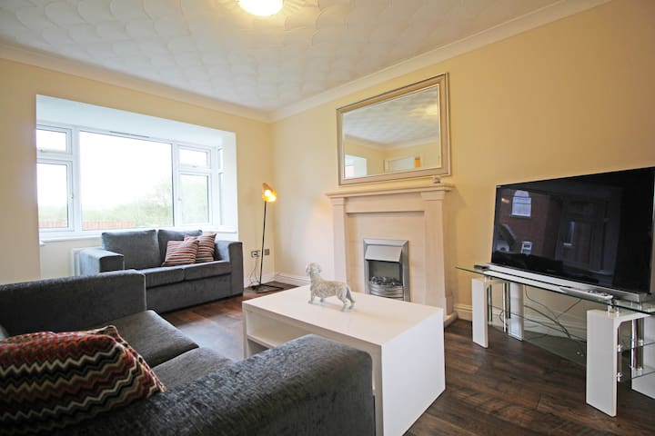 Spacious & Affordable - Great links to Cheshire