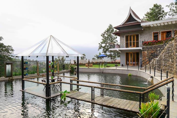 3 BR Dream villa with private pool on a hilltop