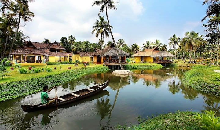 Lake View villa on the backwaters of Alappuzha