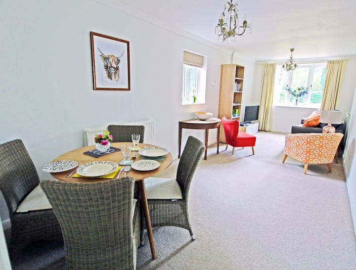 Village location, ground floor flat near Bath