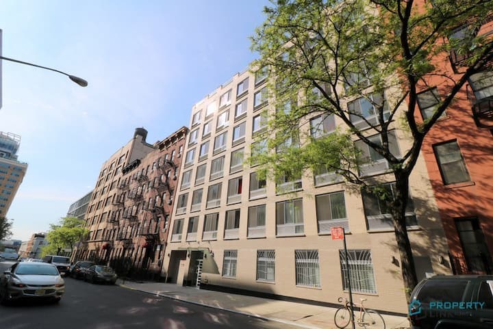 Great Studio ( Midtown West 48th street)