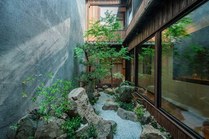 慶有魚·松家(Kyotofish·Matsuya)*坪庭を鑑賞できるお風呂*京都旅館業認証