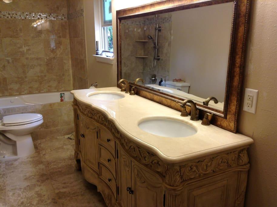 Elegant vanity