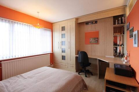 Double bedroom, North London
