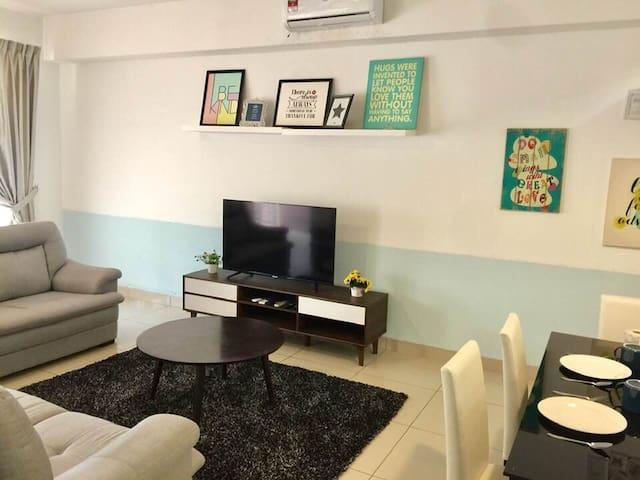 Escadia Desaru HomeStay 4room 8pax 10min to Beach