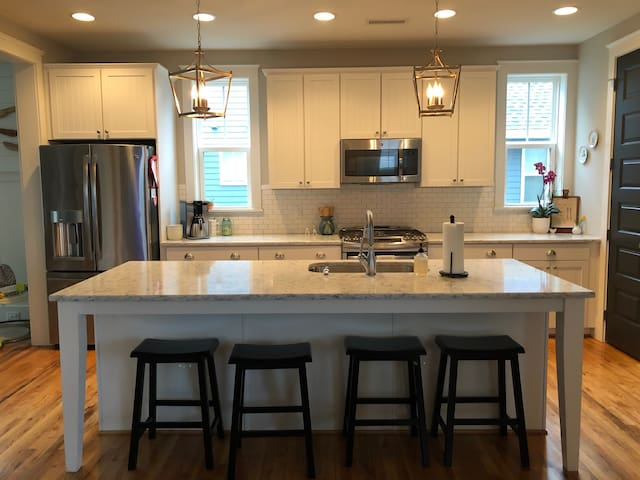 Craftsman Home - Easy to Duke and UNC Graduation
