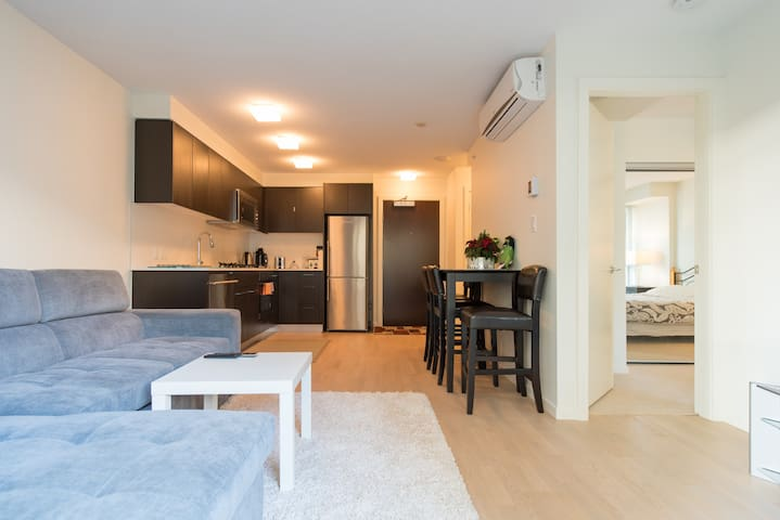 1 bed/NEW Apartment/Free parking/2016 building/1st - Richmond - Wohnung
