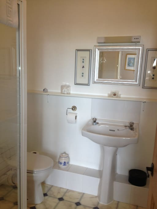 Twin/Double room ensuite