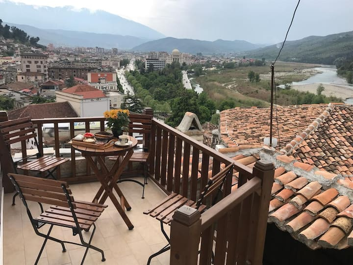Guesthouse 'Arjani'- traditional homestay-2 rooms