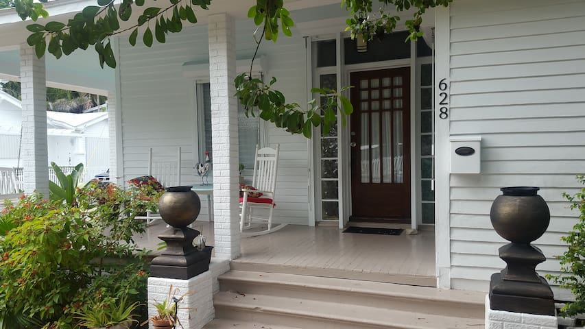 The Medina Key West Renovated Historic Home - キーウェスト
