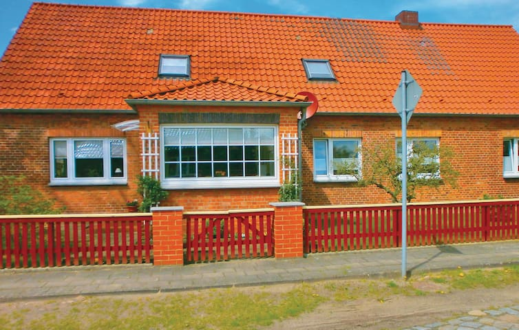 Holiday apartment with 2 bedrooms on 70 m² in Lübtheen/Garlitz