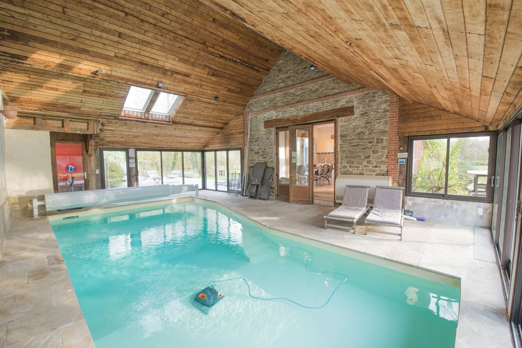 Cottage piscine int rieure chauff e houses for rent in donges pays de la loire france - Airbnb piscine interieure ...
