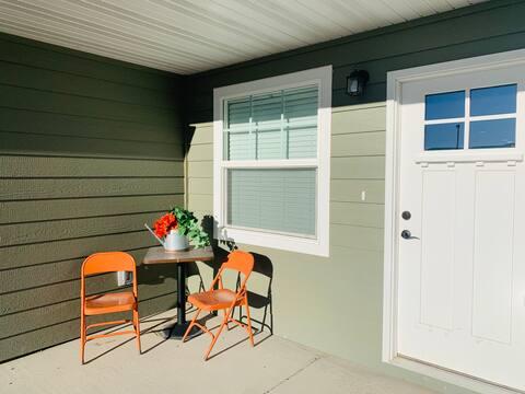 Newly Built 2 Bedroom Home in Quiet Neighborhood