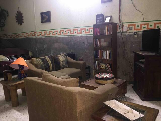Alójate en el corazón tradicional de Guadalajara