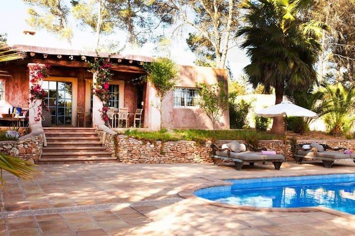 DAR QUARDA, Ibiza, Sant Rafael - Santa Gertrudis - Cozy villa