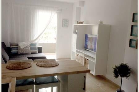 Bonito Apartamento junto al mar.