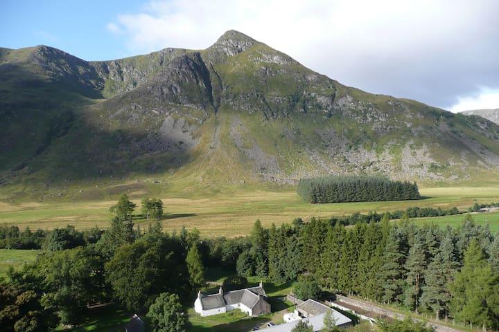 Braedownie Farm, Glen Clova,  Angus, DD8 4RD - Angus