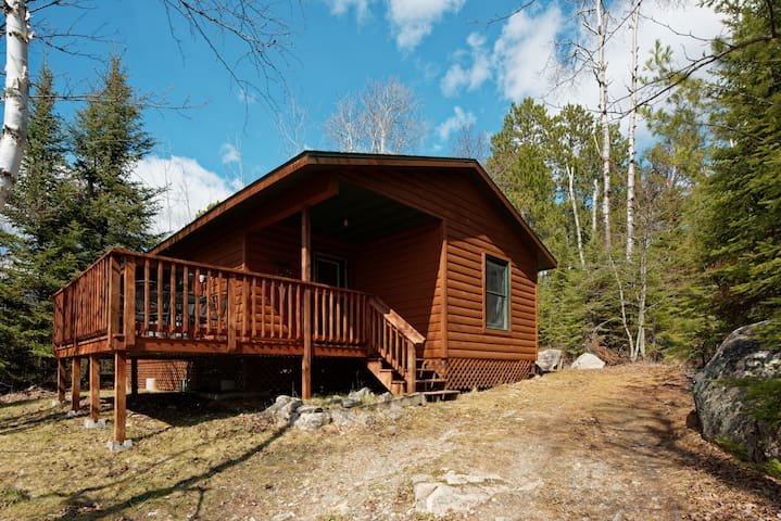Elbow Lake Lodge Crestview Cabin