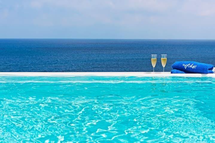 Sailing blue, beach villa with pool - Oia - Villa