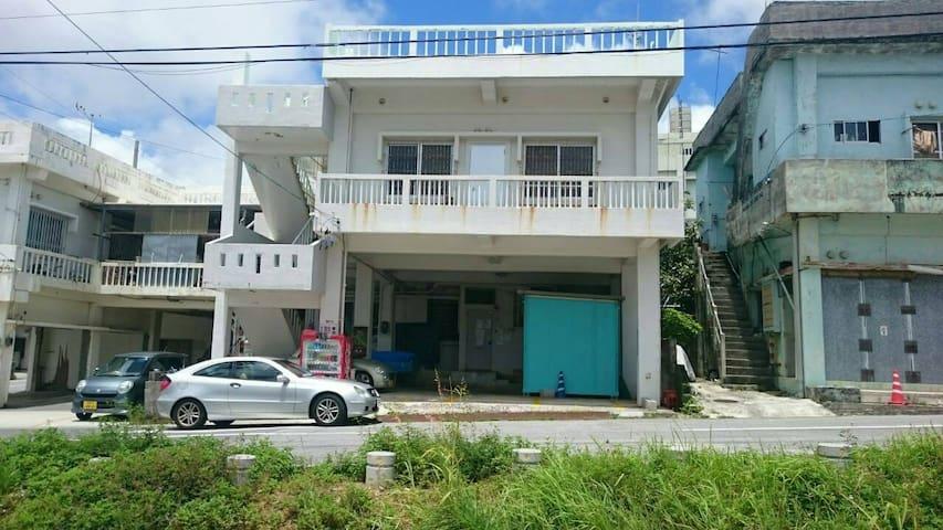【女性専用】個室のルームシェア in 沖縄市胡屋 - Okinawa-shi - 一軒家