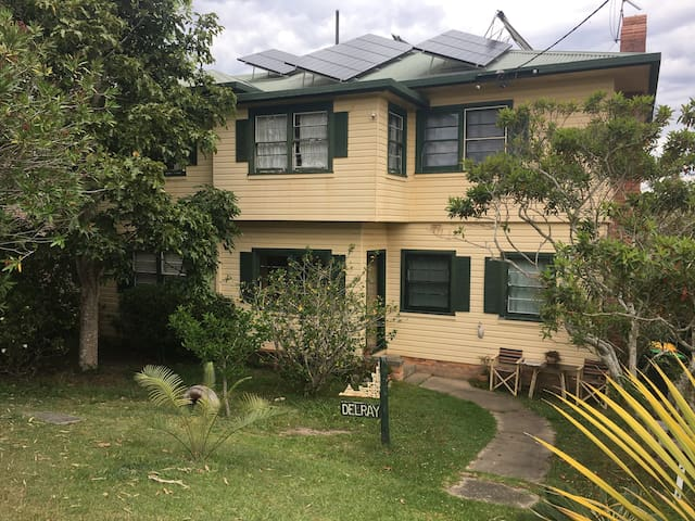 'Delray' the house on the hill - Urunga - Apartment