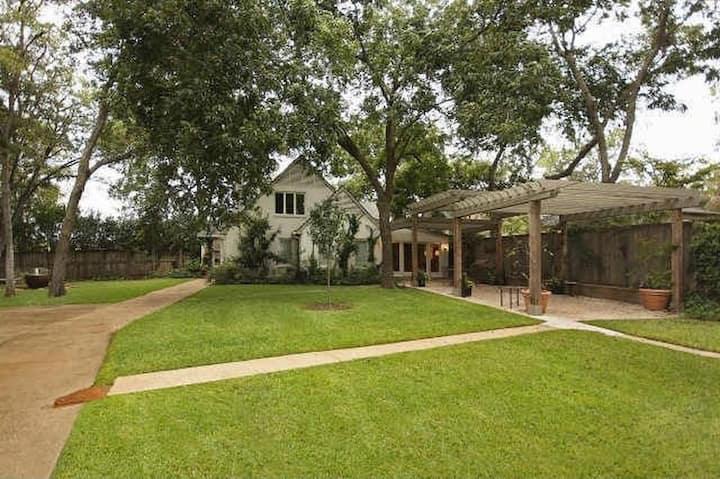 East Dallas Tree House