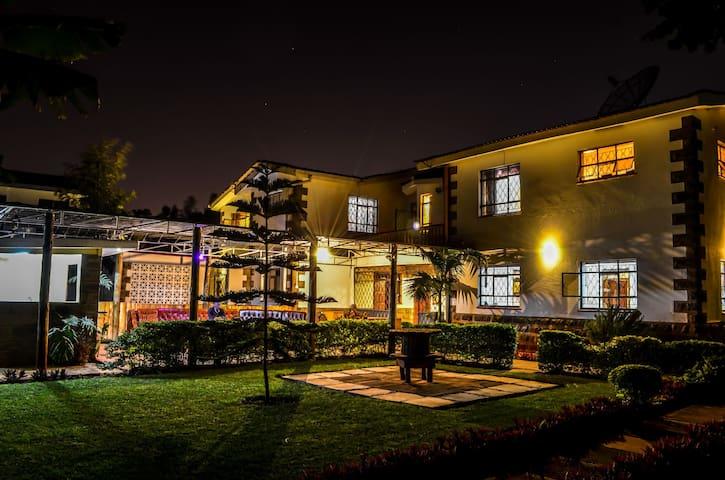 Experience Africa: Bonsai Villa & Diplomatic Home