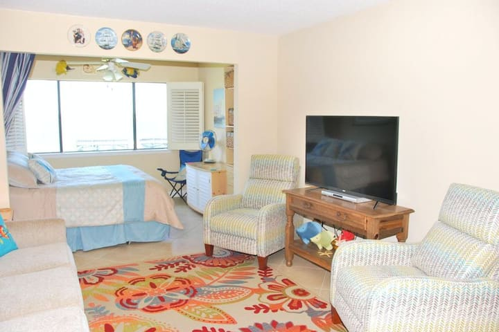 Cozy Coastal Condo w/ a Water View, Shared Pool, Central A/C, Easy Beach Access