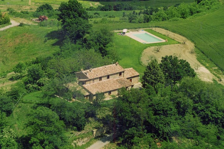 Farmhouse on a hill with swimming pool, large garden and nice views
