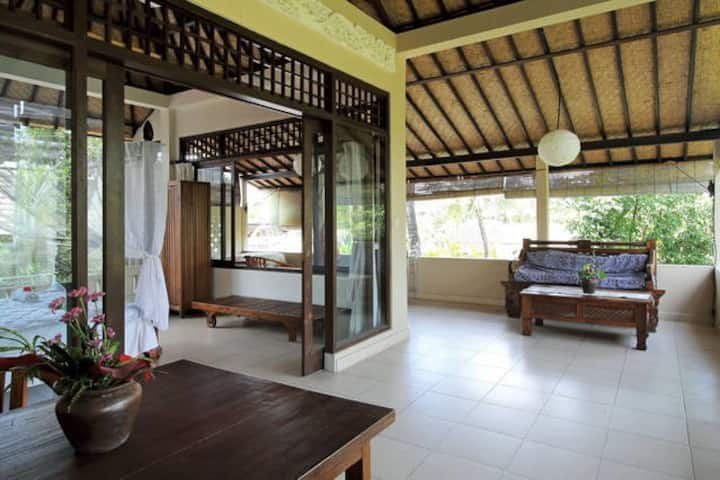 MOST SPACIOUS BALCONY~Relax and Unwind in Ubud