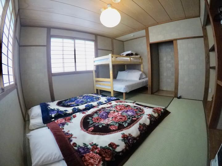Japow House Myoko 4-5 person room2