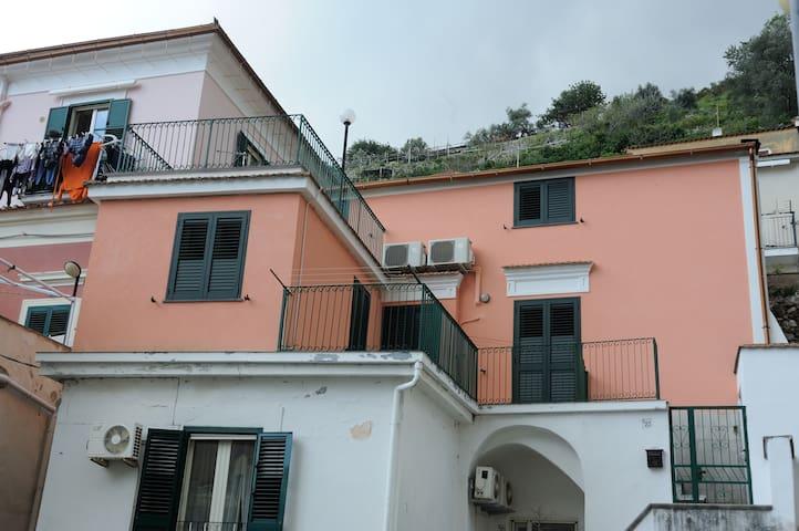 Appartamento in pieno centro - Cetara - Dům