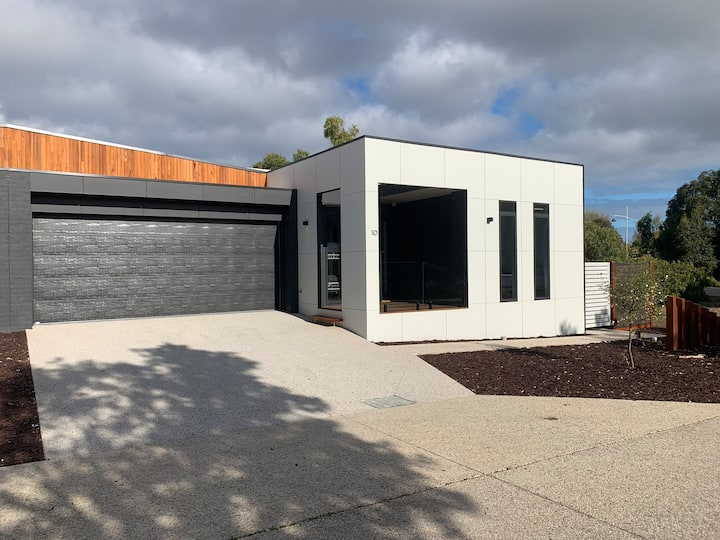 Inlet Holiday Apartments Unit 10 at Inverloch