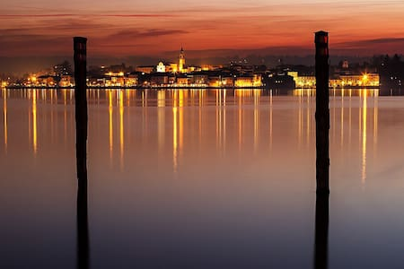 Luce e colore sul Lago Maggiore - Арона