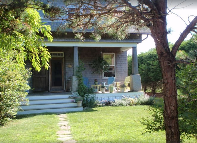 Charming bungalow, close to beach
