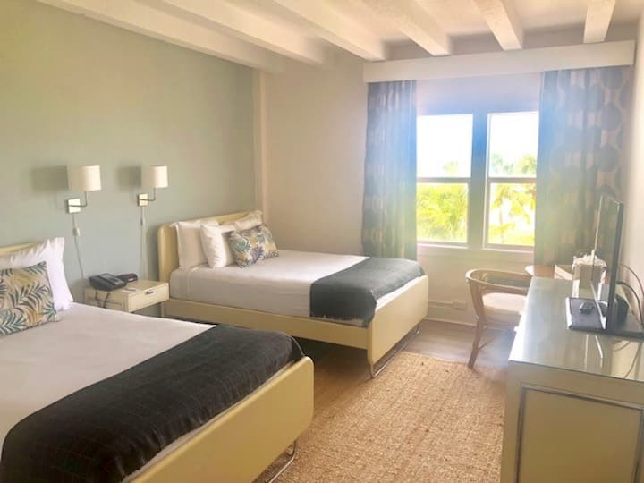 ✨Amazing Room Offering Two Double Beds on the Beach w/No Cleaning Fee - BR