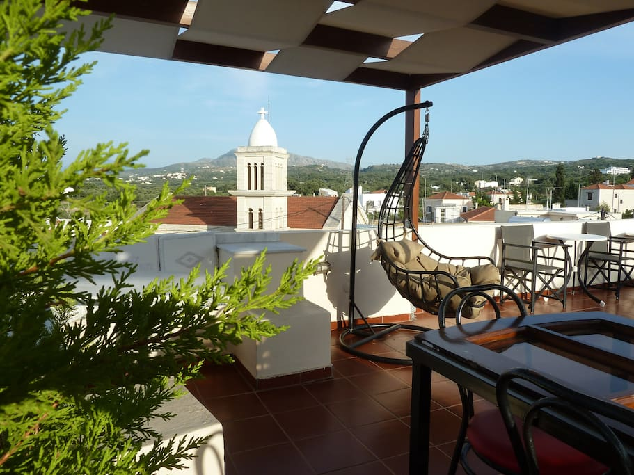 My insuperable roof terrace - 360 view -  Located in the heart of CRETE there is easy access to all beaches