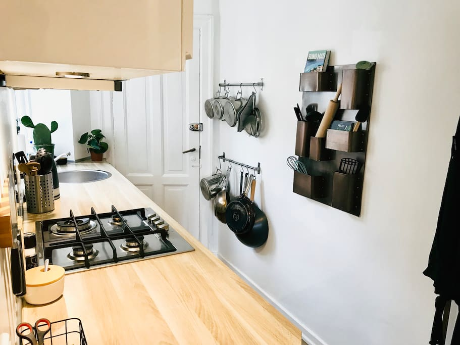Comfy kitchen with all the necessities you might need. Cooking delicious meals in this kitchen is a joy.