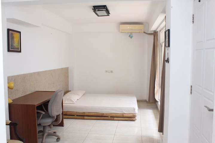 1 Room and Breakfast - Hostel Timlo Solo