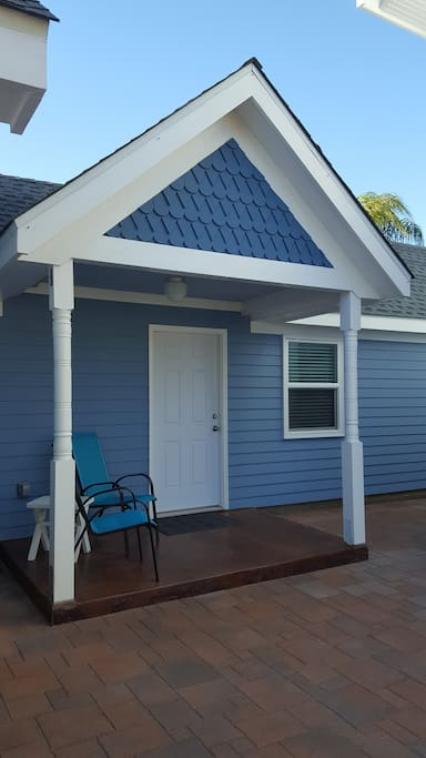 Private entrance with a porch perfect to enjoy your coffee.