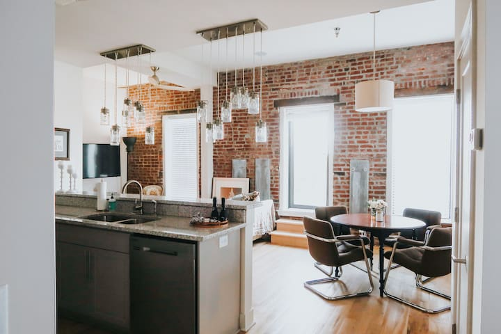 City Lofts PENTHOUSE + Balcony in Midtown // LUX