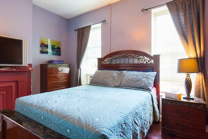 Regal Master bedroom, with bathroom en suite.