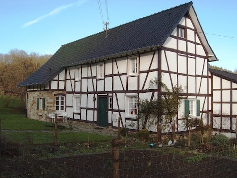 """Ferienhaus """"Im Wiesengrund"""" 6 Personen/Familien"""