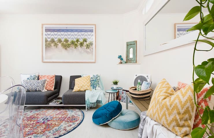 The Cabana-stylish 1 B/R apt sleeps 4 -Bondi Beach