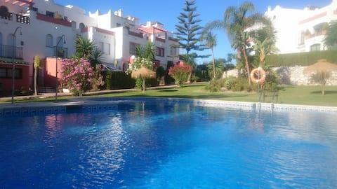 Studio with 1 bedroom, terrace, 2 pools